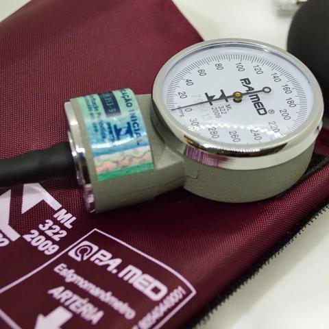 Imagem de Kit Estetoscopio Duplo + Aparelho De Medir Pressão Arterial Esfigmomanometro + Estojo