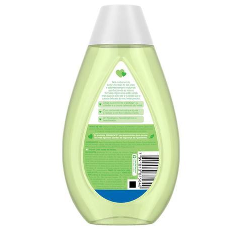 Imagem de Kit Johnson's Baby Cabelos Claros - Shampoo 400ml + Condicionador 200ml