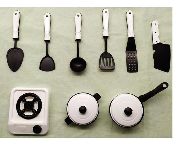 Imagem de Kit Panelinhas Infantil com Fogão Panelas e Acessórios de Cozinha Diversão - Small Kitchen Branco MS1424