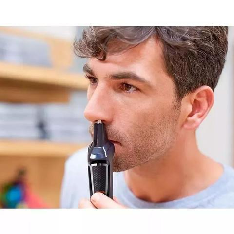 Imagem de Kit Philips Barbeador E Aparador De Pelos Multigroom 8 Em 1