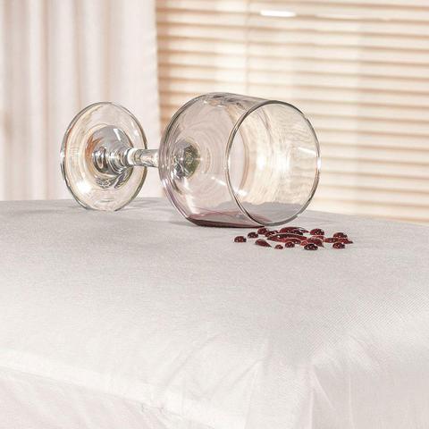 Imagem de Kit Saia Box Para Cama Queen + Protetor De Colchão e Travesseiro  Impermeável Branco