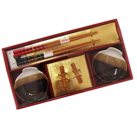 Imagem de Kit Sushi 6 Pecas com 2 Porta Molho + 2 Pares de Hashi com Descanso  Wincy