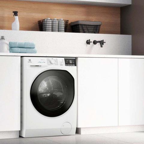 Imagem de Lava e Seca Electrolux Perfect Care 8kg Front Load Água Quente