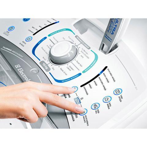 Imagem de Lavadora de Roupas Automática 15Kg Electrolux Turbo 12 Programas Ultra Clean - LBU15