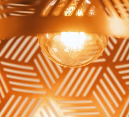 Imagem de Luminaria Abajur De Chão Tripé Madeira Cúpula Vazada Cobre