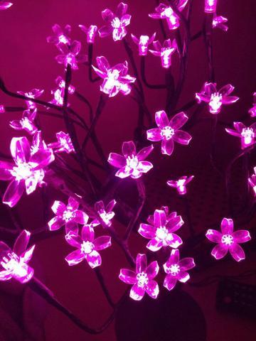 Imagem de Luminária Árvore Flor De Cerejeira 48 Leds Abajur 110v Rosa