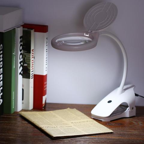 Imagem de Lupa Mesa com Clip de Bancada 2,3x 6x Com 8 LEDs BC108C
