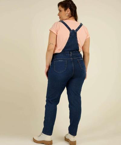 Imagem de Macacão Plus Size Feminino Jeans Bolso