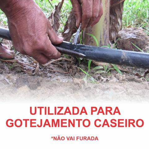 Imagem de Mangueira Preta Irrigação  3/4'' 1,5 mm- Rolo C/ 110m