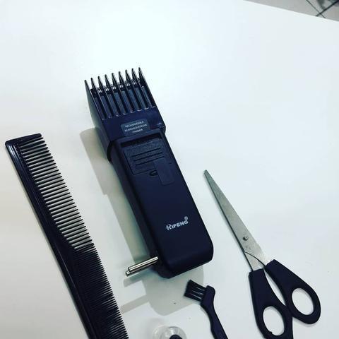 Imagem de Maquina Aparador Cortador Depiladora De Cabelo, Barba E Pelos Com Tesoura E Pente Bivolt
