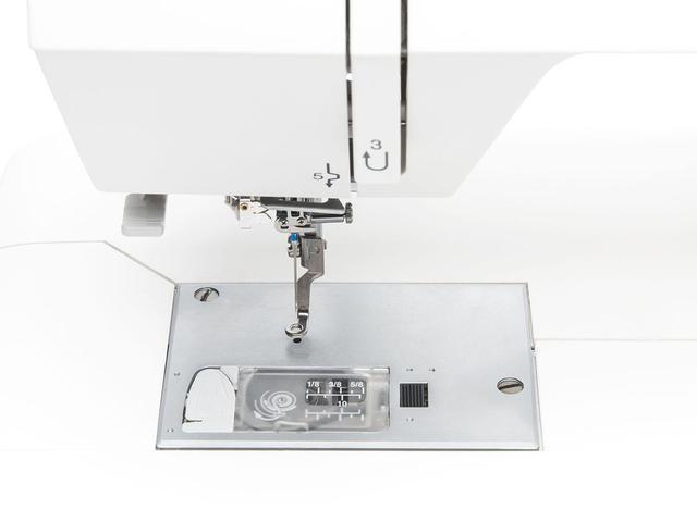 Imagem de Máquina de Bordar Janome MC400E - 160 Bordados de Memória e 3 Fontes de Monograma