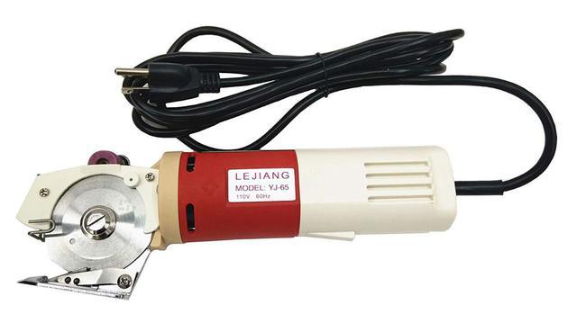 2f4e4222b Imagem de Máquina de Cortar Tecidos Elétrica Potente tipo Bananinha  Pelegrin PEL-65CT 2 Polegadas