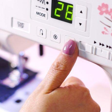 Imagem de Máquina de Costura 1030MX Eletrônica Janome Bivolt