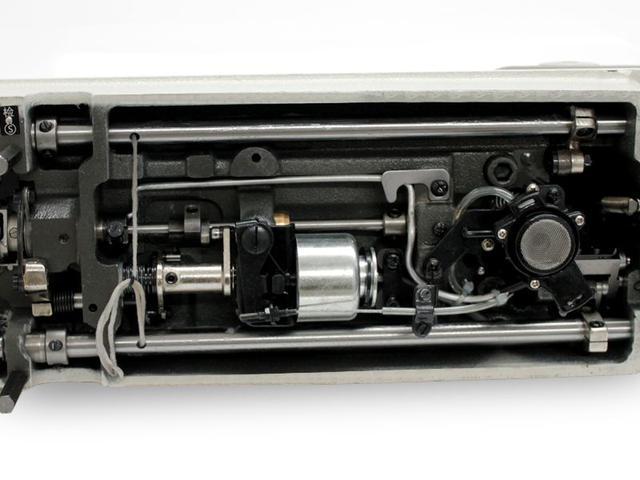 Imagem de Máquina de Costura Industrial Reta c/ Direct Drive e Corte de Linha MSG-8801D1
