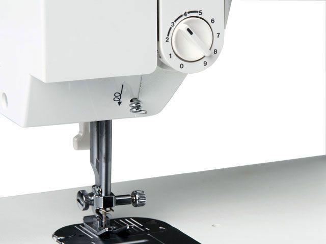 Imagem de Máquina de Costura Singer Facilita 2868