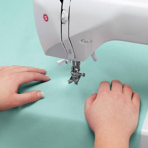 Imagem de Máquina de Costura Singer Starlet 6660 - 56 Pontos 110v
