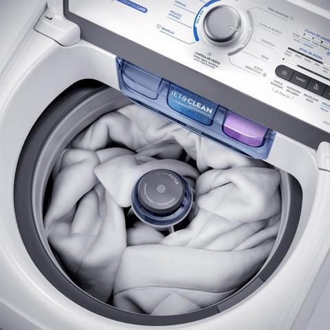 Imagem de Máquina de Lavar 15kg Electrolux Essential Care com Cesto Inox, Jet&Clean e Ultra Filter (LED15)