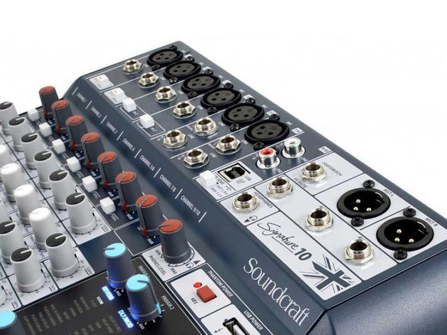 Imagem de Mesa de Som Analógica 10 Canais Soundcraft Signature 10 com Efeito