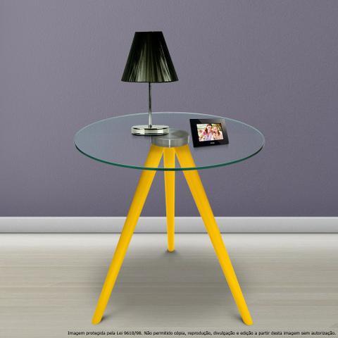 Imagem de Mesa Lateral de Canto Tripé Laqueada Amarela com Tampo de Vidro Incolor