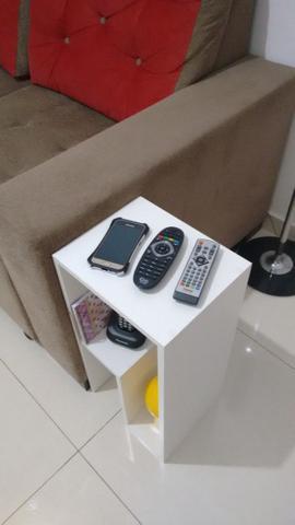 Imagem de Mesinha  lateral ou de canto para decoração com kit de instalação fred planejados