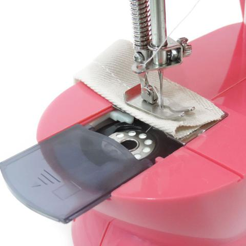 Imagem de Mini Máquina de Costura para Reparos e Tecidos Leves West-202