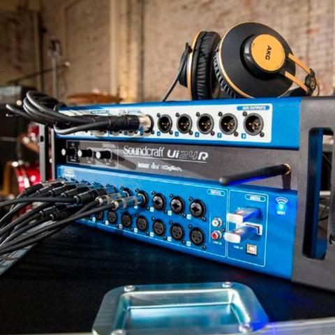 Imagem de Mixer Digital Soundcraft Ui24R Wifi USB 24 Canais