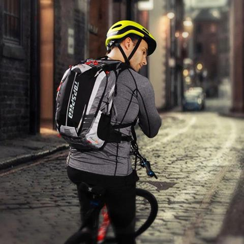 Imagem de Mochila de hidratação Ciclismo Camelback e suporte Capacete