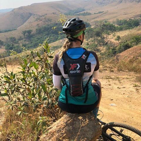 Imagem de Mochila de Hidratação Para Ciclista Vermelha Com Refil