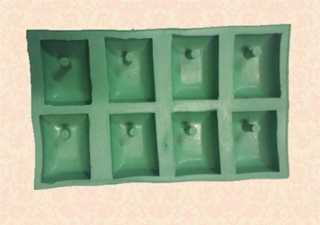 Imagem de Molde Forma Silicone Sabonete Vela Biscuit Resina - Pingente Retangular 8 Cavidades