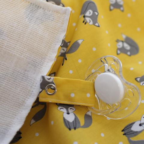 Imagem de Naninha Tricoline e Malha Raposas Amarelo e Cinza Forro Fralda com Sapatinho
