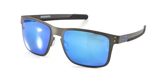 1dfe7fe28b581 Imagem de Óculos de Sol Oakley Holbrook Metal OO4123 Grafite Lentes Azul  Espelhadas Polarizadas. Carregando.