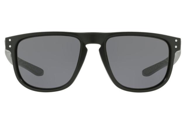 ea135f7cc9a3e Imagem de Óculos de Sol Oakley Holbrook R 0OO9377 01 55 Preto Fosco Lente  Cinza