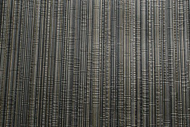 Imagem de Papel de parede importado vinílico lavável 53cm x 10m listrado com textura preta, dourada e marrom