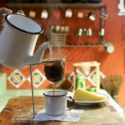 Imagem de Passador de Cafe Com Coador de Pano Medio