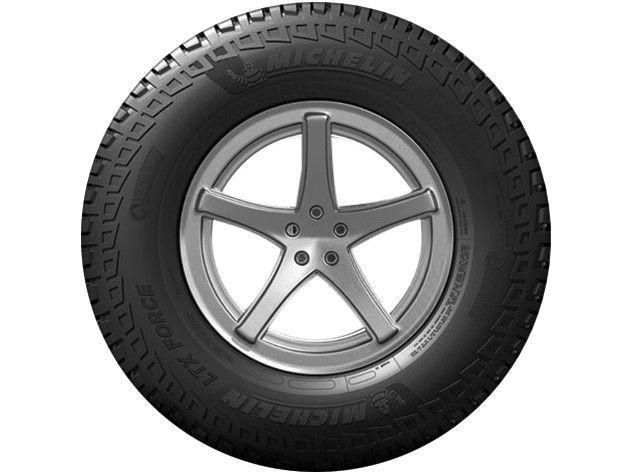"""Imagem de Pneu Aro 15"""" Michelin 235/75R15"""