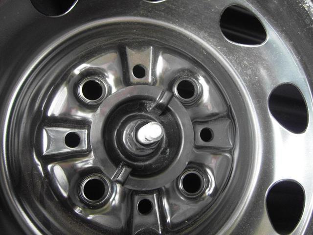 Imagem de Porca Trava Do Pneu Espete Para Fiat Uno Mille E Pickup Strada - PE-01