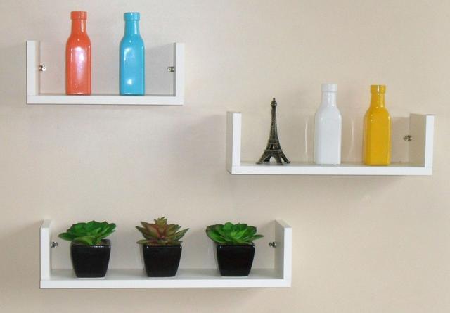 """Imagem de Prateleiras em u"""" para decoração com kit de instalação fred planejados"""