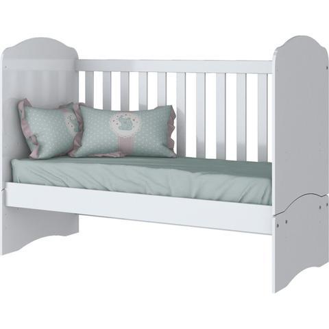 Imagem de Quarto de Bebê com Guarda Roupa 3 Portas Cômoda e Berço Faz de Conta Espresso Móveis Branco/Branco/Rosa