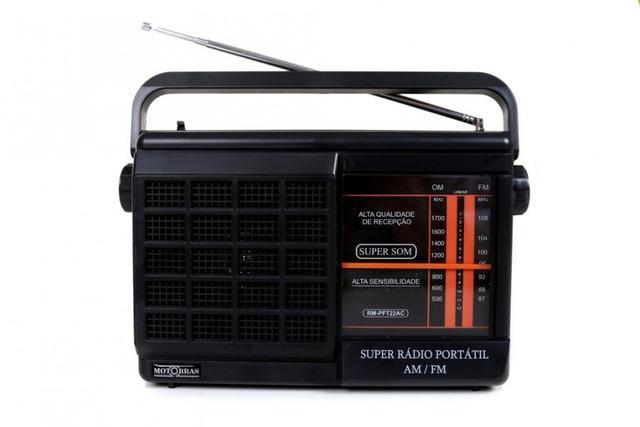 Imagem de Rádio Portátil AM/FM -- Pilha e Luz -- Motobrás -- RM-PFT22AC