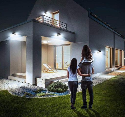 Imagem de Refletor Luminária Placa Solar 30 Led Parede Jardim Piscina Sensor Movimento Presença Externo Resistente Sol e Chuva