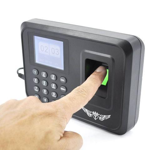 Imagem de Relógio de ponto com leitor de impressão digital