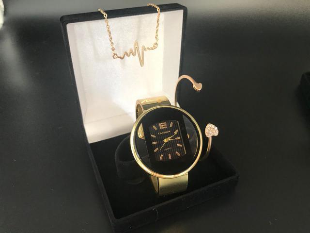 Imagem de Relógio Feminino Dourado QUARTZ kit colar, pulseira e estojo