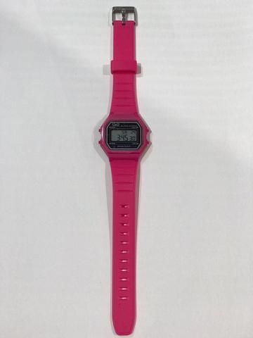 Imagem de Relógio Infantil Feminino Rosa Digital Quadrado Com Alarme e Cronômetro A Prova D'água Original Q&Q Com Nota Fiscal