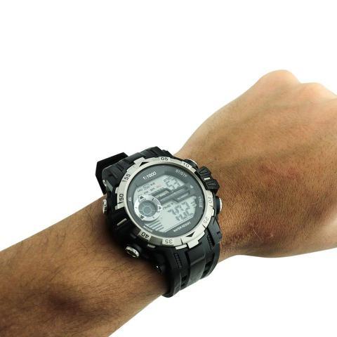 Imagem de Relógio Masculino Digital Importado Prateado Possui Cronômetro Alarme Calendário À Prova D Água