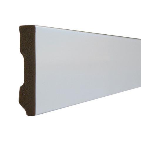 Imagem de Rodapé de Poliestireno Espaço Branco 50mm x 10mm x 2200mm