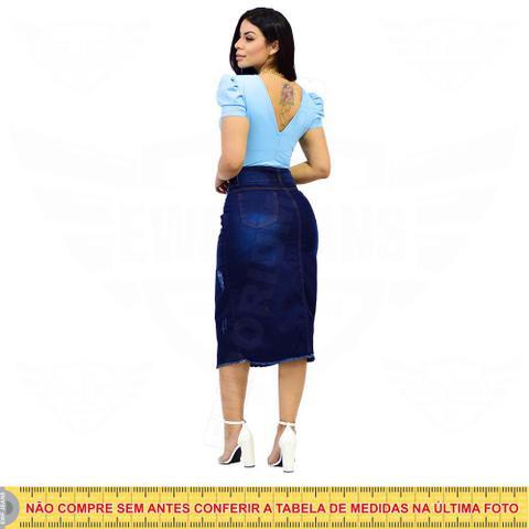 Imagem de Saia Midi Jeans com botões frontal e elastano - EWF Jeans - Azul Escuro