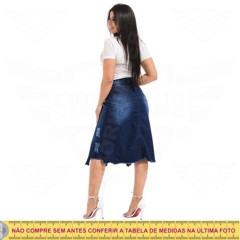 Imagem de Saia Midi Jeans Destroyed com rasgo Inferior - EWF Jeans - Azul Escuro