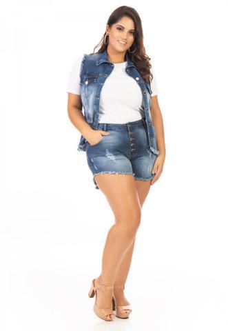 Imagem de Shorts Feminino Jeans Cintura Alta com Botões Plus Size