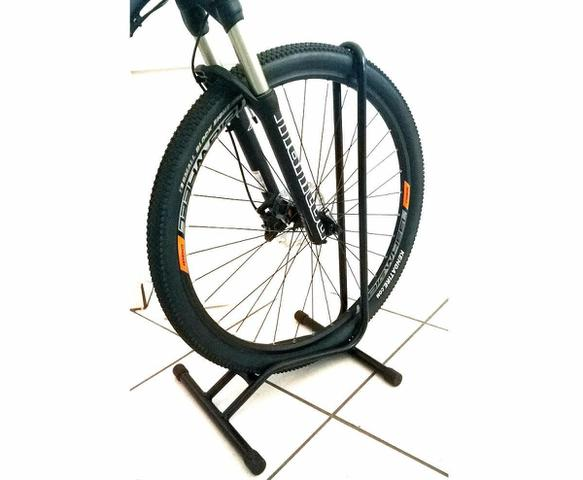Imagem de Suporte De Bicicleta P/chão p/ Aro 29 C/ Apoio - Aro 26 a 29