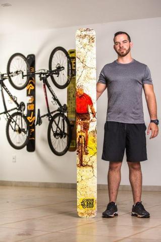 Imagem de Suporte de parede para bicicleta design break a leg